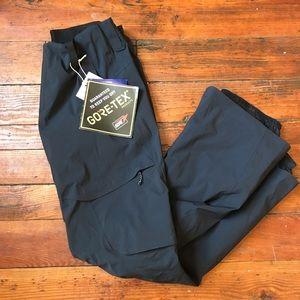 NWT women's Burton ak 2l summit Gore Tex pants M
